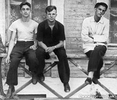1953. Yuri Gagarin (center), a student of the Saratov Industrial Polytechnic, with friends.