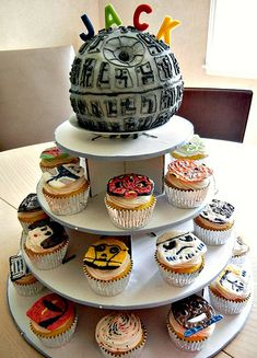 death star cake and star wars cupcakes