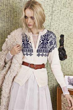 "Ravelry: Nr 9 ""Eirefjell"" kofte pattern by Sandnes Design Girls Sweaters, Cardigans For Women, Crochet Cardigan, Knit Crochet, Norwegian Knitting, Nordic Sweater, Fair Isle Pattern, How To Purl Knit, Fair Isle Knitting"