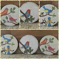 Mosaic Garden Art, Mosaic Tile Art, Mosaic Birds, Mosaic Diy, Mosaic Glass, Tile Crafts, Mosaic Crafts, Mosaic Projects, Stained Glass Designs