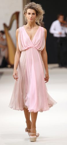 Luisa Beccaria Spring 2011 Pastel Fashion, Colorful Fashion, Fashion Art, Fashion Design, Luisa Beccaria, Dressy Dresses, Short Dresses, Couture Fashion, Runway Fashion