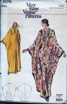 Caftan Loungewear Evening Length Front Slit Vogue Sewing Pattern 8576 Sz Med FF Dress Sewing Patterns, Vintage Sewing Patterns, Clothing Patterns, Vintage Vogue, Fashion Sewing, Diy Fashion, Punk Fashion, Lolita Fashion, Fashion Dresses