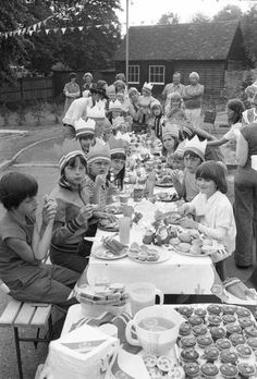 Silver Jubilee 1977 Street Party.  oh yes i remember the street party we had in our st.