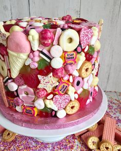 cakes for kids Every kid's dream cake! Candy Cakes, Cupcake Cakes, Sweetie Cake, Sweetie Birthday Cake, Sweetie Cupcakes, Birthday Cake For Kids, Candy Birthday Cakes, Cupcake Birthday Cake, Decoration Patisserie