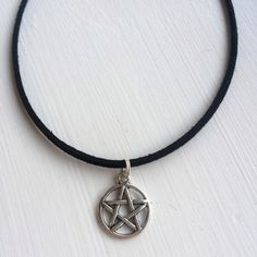 Pentagram Choker Shop Dakota (16 PLN) ❤ liked on Polyvore featuring jewelry, necklaces, choker necklace, silver pentagram necklace, pentagram necklace, silver jewellery and multi layer necklace