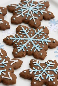 Last week I shared some cute Christmas Tree Cookies I made with gingerbread dough. Gingerbread cookies are one of my favorites, especia. Snowflake Cookies, Christmas Tree Cookies, Cute Christmas Tree, Noel Christmas, Christmas Goodies, Christmas Design, Ginger Bread Cookies Recipe, Sugar Cookies, Cookie Recipes