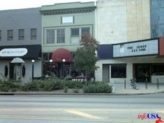 YiaYia's Pizza, Beer, & Wine. Lincoln, Nebraska.