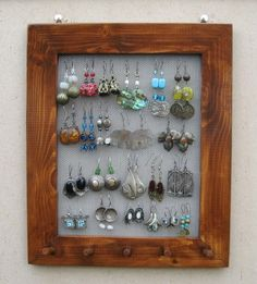 Earring picture frame