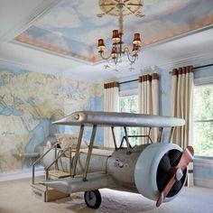 Quarto infantil com cama de avião