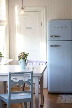 Blue Smeg - always wanted a Sega fridge. Them I grew up and realised they'd never have enough freezer space. Unless they do a separate Smeg freezer - aha! Decor, Blue Kitchens, Interior, Vintage House, Kitchen Decor, Home Decor, Cottage Kitchen, Home Kitchens, Retro Kitchen