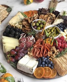 platter plate # fruit and cheese # meat and cheese # baby shower mealsBrunch Party Bbq Party Brunch Wedding Appetizers For Party Party Snacks Birthday Ideas For Guys Best Party Food Carnival Themed Party 30 BirthdayHow to Make an Epic Charcuterie BoardApp Charcuterie Recipes, Charcuterie And Cheese Board, Charcuterie Platter, Antipasto Platter, Cheese Boards, Crudite Platter Ideas, Meat Cheese Platters, Meat Platter, Grazing Platter Ideas