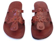Leather Sandals Womens Shoes Thongs Flip Flops Flats Slides Slippers    Another beautiful model from SANDALIM:    ROSE style.    This beautiful pair