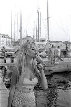 Vintage photograph for the weekend: Brigitte Bardot in 1958   Vogue Paris