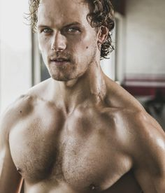 Health In Men Outlander star Sam Heughan covers Men's Health South Africa - He's already tried to impart a love for fitness in his My Peak Challenge initiative. But now Outlander star Sam… Jamie Fraser, Sam Heughan Outlander, Sam Heughan News, Sam Heughan Actor, Sam Hueghan, Men In Kilts, Star Wars, Hollywood, Outlander Series