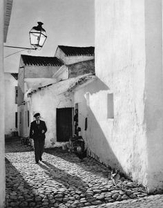 Faro Algarve Portugal, Old Pictures, Old Photos, White Art, Black And White, Big Country, Album, Portuguese, Street Photography