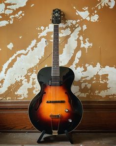 The Loar Archtop Guitar Archtop Guitar, Vintage Guitars, Vintage Vibes, Body Size, Acoustic, Hand Carved, Nice, Classic, Modern