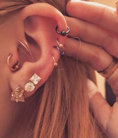 30 Ear Piercing Ideas to Try This Winter 2017 for Tragus, Helix, Cartilage, Rook, Daith at MyBodiArt Piercing No Tragus, Ear Peircings, Cute Ear Piercings, Multiple Ear Piercings, Cartilage Earrings, Piercing Tattoo, Body Piercing, Cartilage Piercings, Ring Earrings
