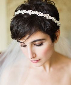 short wedding hairstyle with veil