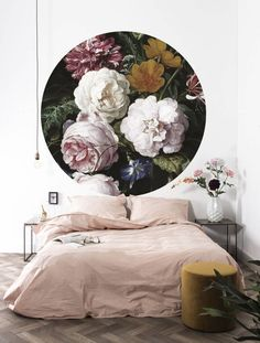 KEK Amsterdam Golden Age Flowers round wallpaper ✓Shipped the same day ✓Fast delivery ✓Safe payment (SSL) day return policy Bed Peace, Home Decor Accessories, Decorative Accessories, Amsterdam Wallpaper, Flowers Wallpaper, Burke Decor, Home And Deco, Simple House, Cheap Home Decor