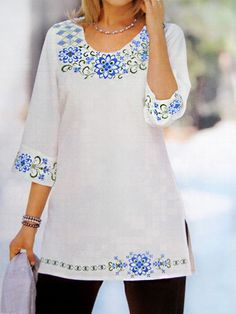 44 Embroidered Tops That Will Make You Look Fantastic Chemises Country, Modest Fashion, Fashion Dresses, Mexican Dresses, Elegant Outfit, Blouse Designs, Beautiful Outfits, Ideias Fashion, Womens Fashion