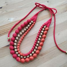 Diy Fabric Jewellery, Fabric Earrings, Thread Jewellery, Lace Jewelry, Beaded Jewelry Patterns, Textile Jewelry, Seed Bead Jewelry, Jewelry Crafts, Handmade Jewelry Designs
