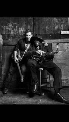 Bruce Springsteen - Scooter and the Big Man . sami Bruce Springsteen - Scooter and the Big Man . Springsteen The River, Bruce Springsteen The Boss, Elvis Presley, The Boss Bruce, Morrison Hotel, Best Guitar Players, E Street Band, Born To Run, Easy Listening