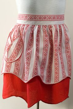 Vintage Reversible Red and White Half Apron