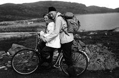 Nr. 27. Sykkeltur, 1956. Birgit og Helge Dengerud. Utlånt av Birgit Dengerud Black White Photos, Black And White, Old Photos, Norway, Old Things, Couple Photos, Collection, Old Pictures, Couple Shots
