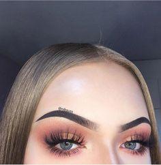 Find more information on eye makeup trends #eyemakeupforbrowneyes #EyeMakeupCutCrease Eye Makeup Cut Crease, Eyebrow Makeup, Skin Makeup, 90s Makeup, Prom Makeup, Makeup Trends, Makeup Inspo, Makeup Inspiration, Makeup Ideas