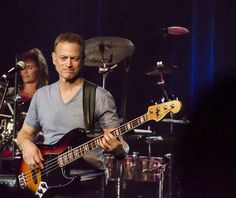 Gary Sinese on bass. Always liked him - now I know why.