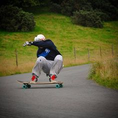 Look at #lushteamrider @jooz_vandem_hughes acting all shy hiding his face from the camera. Props to @robbieroadkill for this shot he got of Jooz from the @briannecollective #tregz2015 freeride.  #lushlongboards #lush #longboard #skate #skateboard #liveskatetravel #cuttingwoodsince99 #ukdh www.lushlongboards.com
