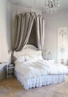 1000 images about klassiek on pinterest interieur met and chesterfield sofa - Klassiek bed ...