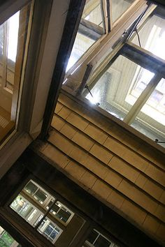 Winchester Mystery House - Wikipedia, the free encyclopedia