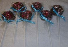 oreo pops, so easy.  Pace and I made these for his Birthday party. Plan on making these for his preschool class.