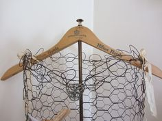 Junk Chic Cottage: love this wire mannequin!!!  I can do this!!