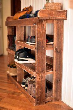 The Best DIY Pallet Shoe Rack Ideas - Ideas With Pallets. Pallet Wood Made Shoe Racks Pallet Furniture Projects. Home Design Ideas Pallet Furniture Shoe Rack, Wood Shoe Rack, Diy Shoe Rack, Furniture Projects, Wood Projects, Diy Furniture, Shoe Racks, Shoe Rack Out Of Pallets, Wooden Pallet Projects
