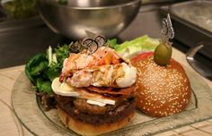 Foie gras, caviar, lobster and truffles - all to be found in the world's most expensive burgers - Food Articles, Best Sandwich, Tiny Food, Most Expensive, Baby Food Recipes, Food Baby, Foie Gras, Caviar, Truffles