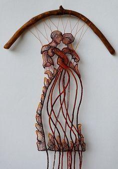 [Arte Textil: encaje y madera - Ágnes Herczeg] Art Fibres Textiles, Textile Fiber Art, Textile Artists, Weaving Art, Loom Weaving, Tapestry Weaving, Art Au Crochet, Sculpture Textile, Lace Art