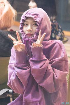 Are you cold or something? J Pop, Shy Girls, Kpop Girls, Kpop Girl Groups, Korean Girl Groups, Nayeon, Sana Cute, Divas, Sana Momo