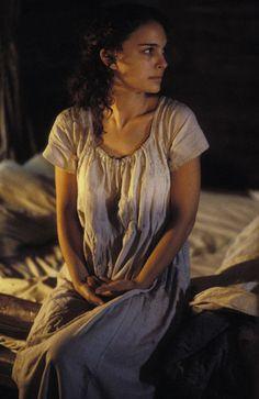 Natalie Portman portrays the role of ''Ada Monroe'' in the film ''Cold Mountain'' ''Επιστροφή στο Cold Mountain'' a 2003 American epic war drama. Natalie Portman Movies, Cold Mountain, Mountain Photos, Western Movies, Anne Of Green Gables, Picture Photo, Movie Tv, The Help, Actresses