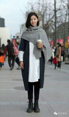 Asian Street Style, Japanese Street Fashion, Korean Fashion, Harajuku Mode, Harajuku Fashion, Fashion Weeks, Fashion Outfits, China Mode, Winter Mode