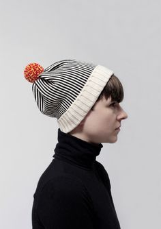 Wouldn't this wonderful #bobblehat, make an awesome Christmas present?