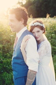 Anne Claire Brun - Un mariage rustique et fun a l ecurie d Emma - Provins- La ma. Best Wedding Dresses, Wedding Poses, Wedding Couples, Wedding Portraits, Paris Wedding, French Wedding, Rustic Wedding, Wedding Photography Inspiration, Wedding Inspiration