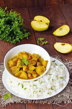 Jablká sú sladké a šťavnaté, no tvoria skvelý pár aj so slanými jedlami. 20 Min, Chana Masala, Coco, Food And Drink, Ethnic Recipes, Meat, Lamb Curry, Meal Ideas, Cooking Food