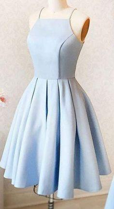 Schlichtes blaues kleid