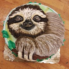 Buttercream Piped Sloth Cake 8 inch round marble cake decorated with buttercream and airbrush. Fancy Cakes, Cute Cakes, Fondant Cakes, Cupcake Cakes, Sloth Cakes, Buttercream Cake Designs, Ice Cake, Animal Cakes, Round Cakes