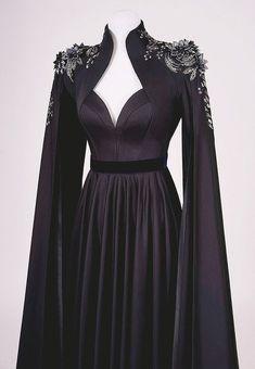 Moda Streetwear, Streetwear Fashion, 80s Fashion, Fashion Dresses, Haute Couture Gowns, Fantasy Dress, Western Dresses, Classy Dress, Looks Cool