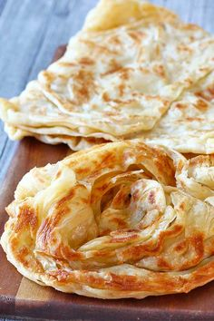 10 Most Misleading Foods That We Imagined Were Being Nutritious! How To Make Roti Canai El Mundo Eats Roti Canai Recipe, Roti Prata Recipe, Roti Recipe Indian, Naan Recipe, Thai Roti Recipe, Unleavened Bread Recipe, Bread Recipes, Cooking Recipes, Cooking Fish