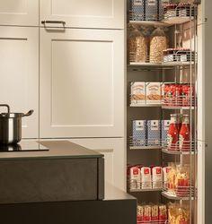 KH Küche: Seidenmatt Lackiert Verkehrsweiss + Beton Grau / KH Kitchen:  Silky Matt Lacquered