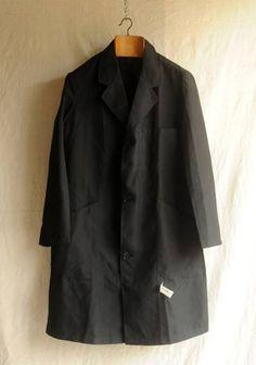 xvpbvx     50'sフランス、マキニョンワークコートです。 古くはインディゴリネンで作られていた馬商のワークコート、 こちらはコットンにセルロース系繊維の混紡素材で扱いやすい良い品です。 長短の胸ポケット、大きな腰ポケット、脇下通気鳩目、 裾近くに不織布の文字入りタグ、右胸大きな内ポケット、 好ディティールの綺麗な形で着こなし易いとても良い品です。 なかなか見つからない物ですのでこの機会に如何でしょうか。 SIZE 肩幅 45cm 袖丈 59cm 身幅 54cm 着丈 96cm 衣類ですので素材 Blazer, Jackets, Women, Fashion, Down Jackets, Moda, Fashion Styles, Blazers, Fashion Illustrations